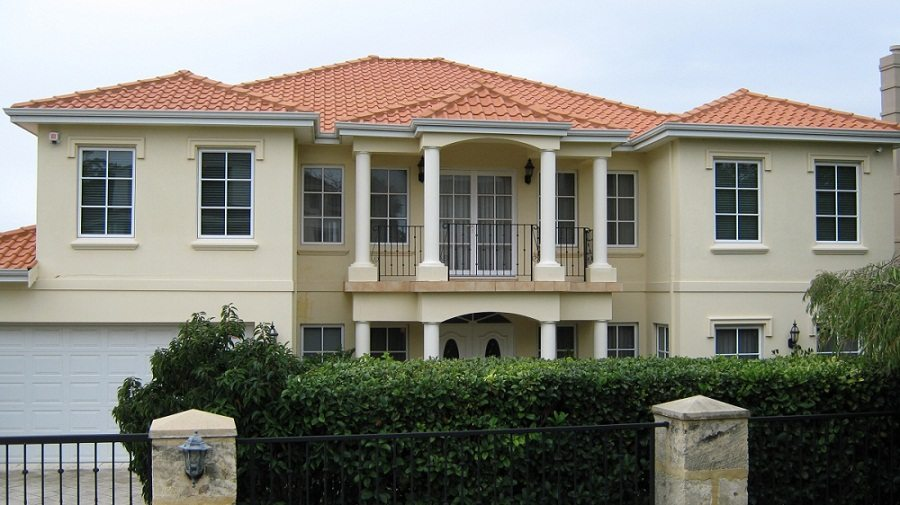Increase the aesthetic value of your home with good roof restoration process